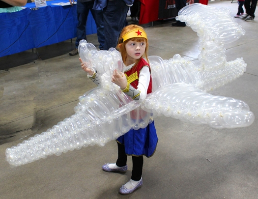 wonder_woman_cosplay_invisible_jet